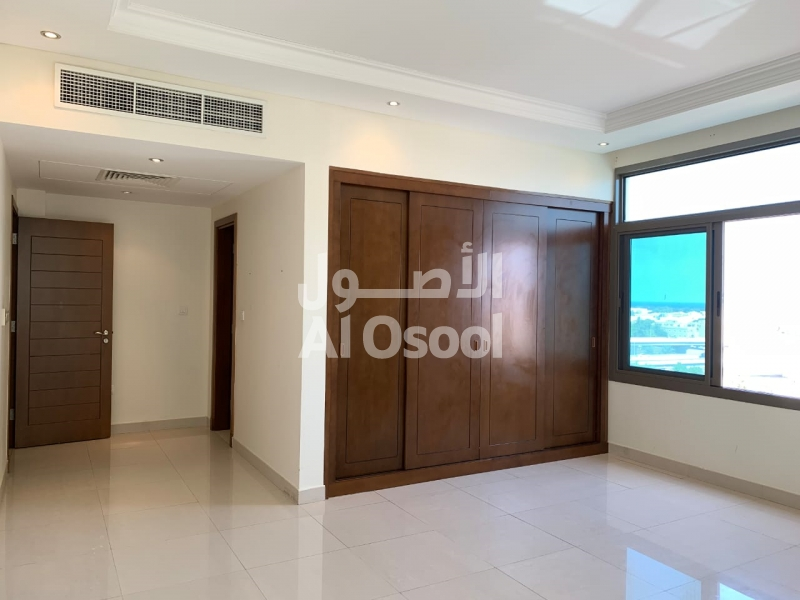 luxurious 2bhk flat for rent in al khuwair for 550 omr