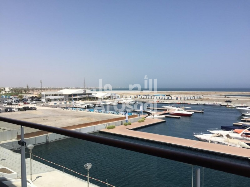 Modern 3 bedrooms apartment  in AlMouj ...Marina view Marina