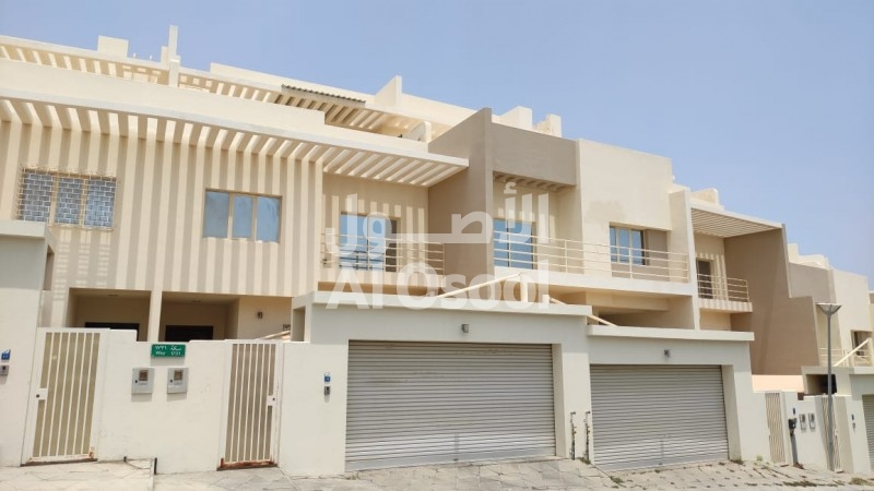 Lovely Townhouse In MSQ For Rent - Al Waffi Compound