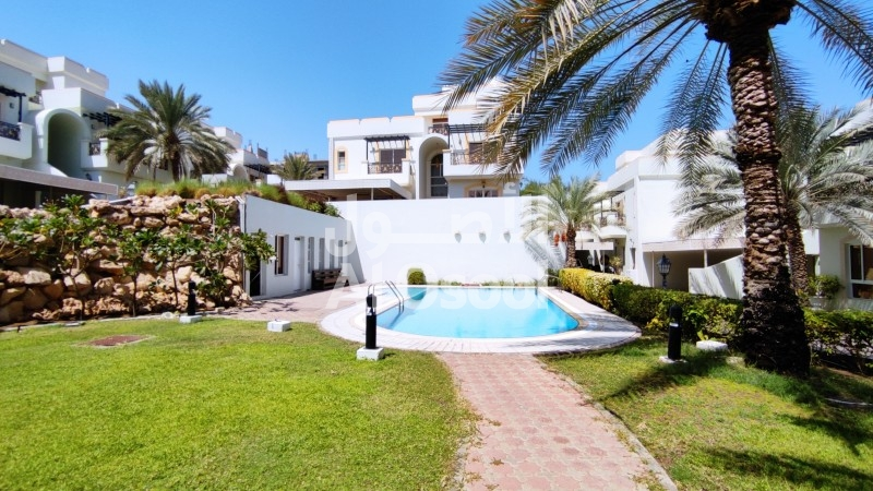 Lovely Townhouse For Rent In Madinat Al Allam